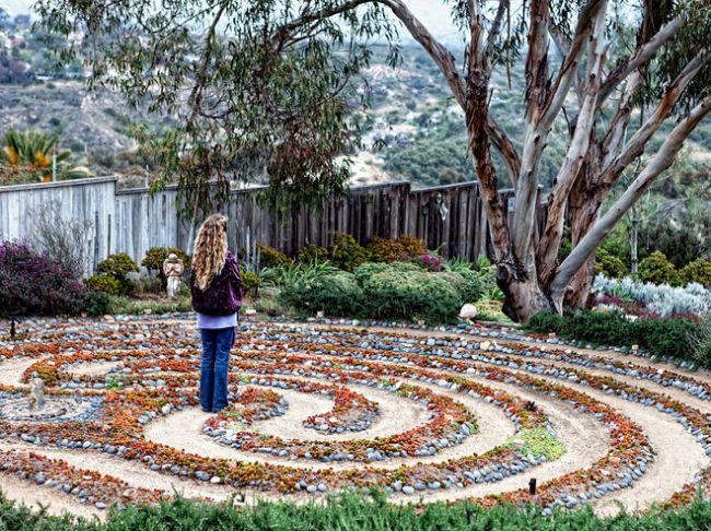 Ellen in labyrinthL